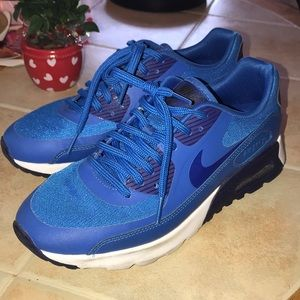 Nike Air Max 7.5 women's blue